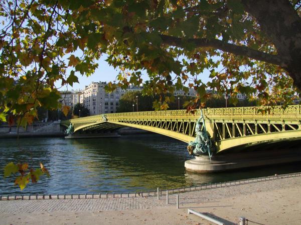 Un poème marquant dans Poésie le-pont-mirabeau-paris